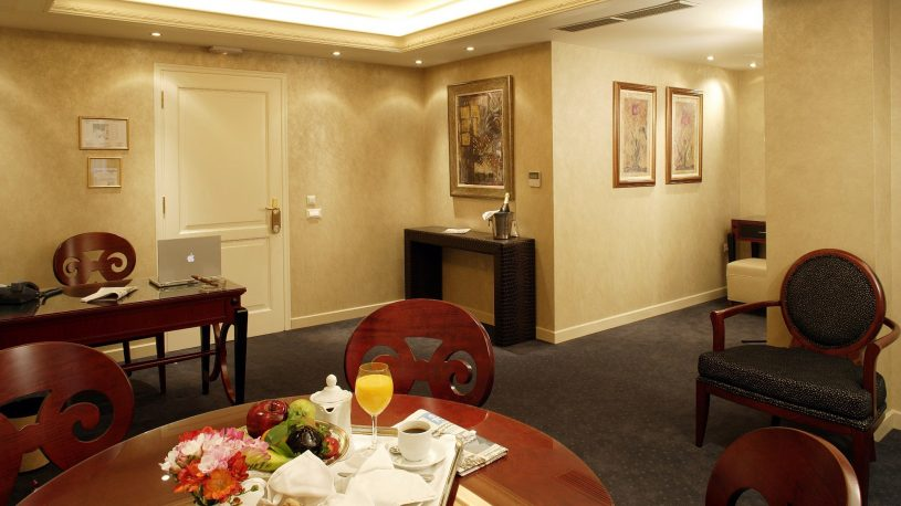 Theoxenia House Deluxe Suites