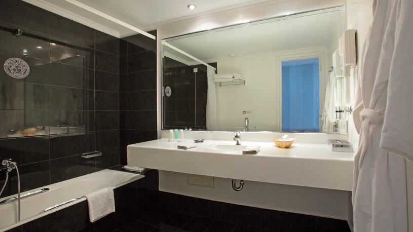 Theoxenia Palace Junior Suite Bathroom